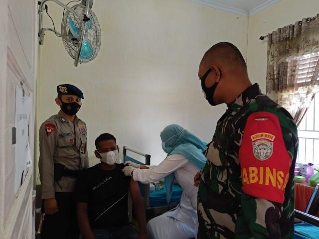 Brimob Polda Aceh Gelar Gerai Vaksin Merdeka Bersama Puskesmas, Koramil 11/Brb dan Polsek Birem Bayeun
