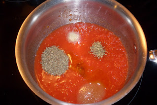 Pantry ingredients are all you need! For The Best Homemade Pizza Sauce.