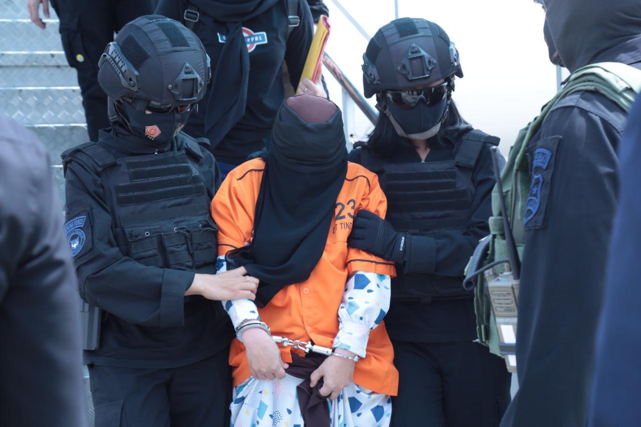 26 Terduga Teroris Yang Diterbangkan Dari Makassar Ditahan Di Cikeas