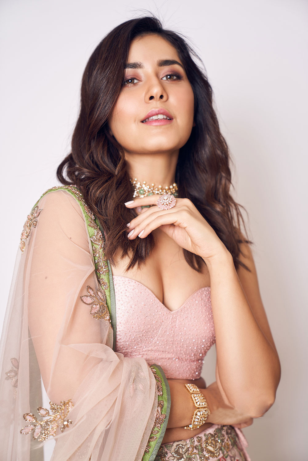 Actress  Raashi Khanna    Glam Photoshoot