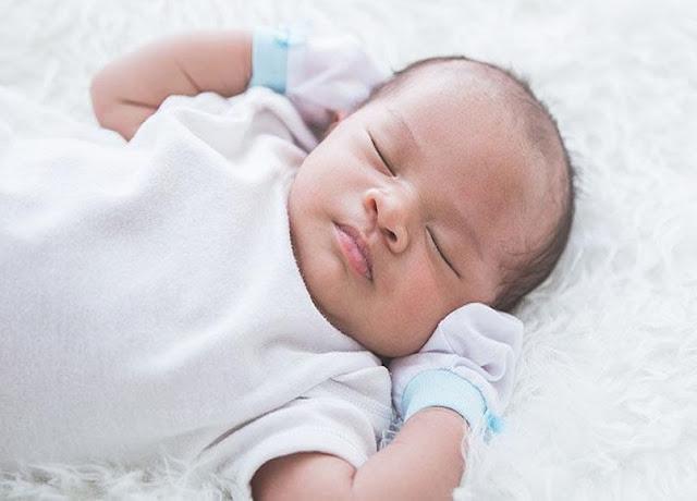 5 Cara Menidurkan Bayi Baru Lahir Yang Tepat Dan Mudah