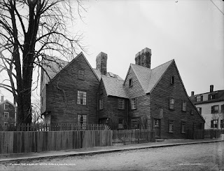 Turner House in Salem, MA, 1915. Public domain, Detroit Publishing Co.