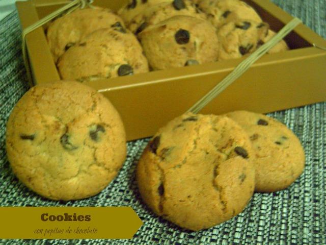 """Cookies con pepitas de chocolate"""