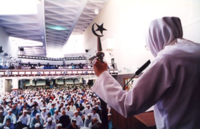 Berdo'a saat Khatib Duduk di Antara Dua Khutbah Sangat Mustajab