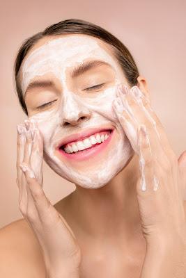 rutina para cuidar la piel sin gastar una fortuna + recetas caseras
