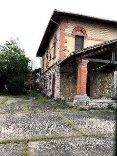 ピサの路面電車駅舎跡地