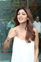 Bollywood Actress Shilpa Shetty Pos in White Gown at The Inauguration Of Shelar Make up Academy  0018.jpg