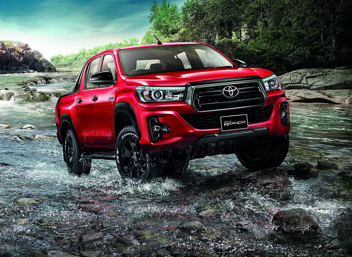 toyota hilux goes to thailand for a rugged facelift carscoops. Black Bedroom Furniture Sets. Home Design Ideas