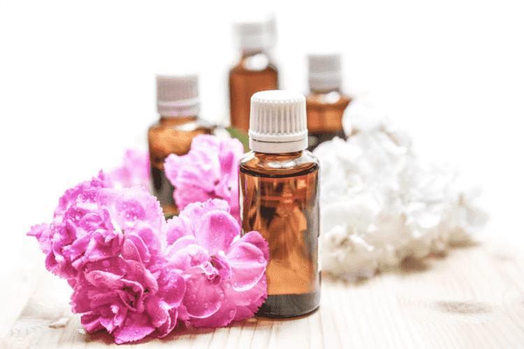 Jak stosować kwasy w domu? Rodzaje kwasów kosmetycznych - AHA, BHA, PHA, LHA