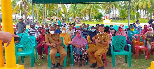Setelah Mengunjungi Pulau Laut, Bupati dan Wabup Natuna Tinjau Vaksinasi di Desa Tanjung Pala