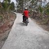Diduga Kurang Semen, Jalan Rabat Beton Di Babakan Gunung Gadung Sudah Berlubang