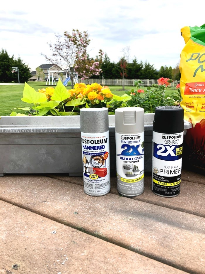 Spray paint for plastic window boxes