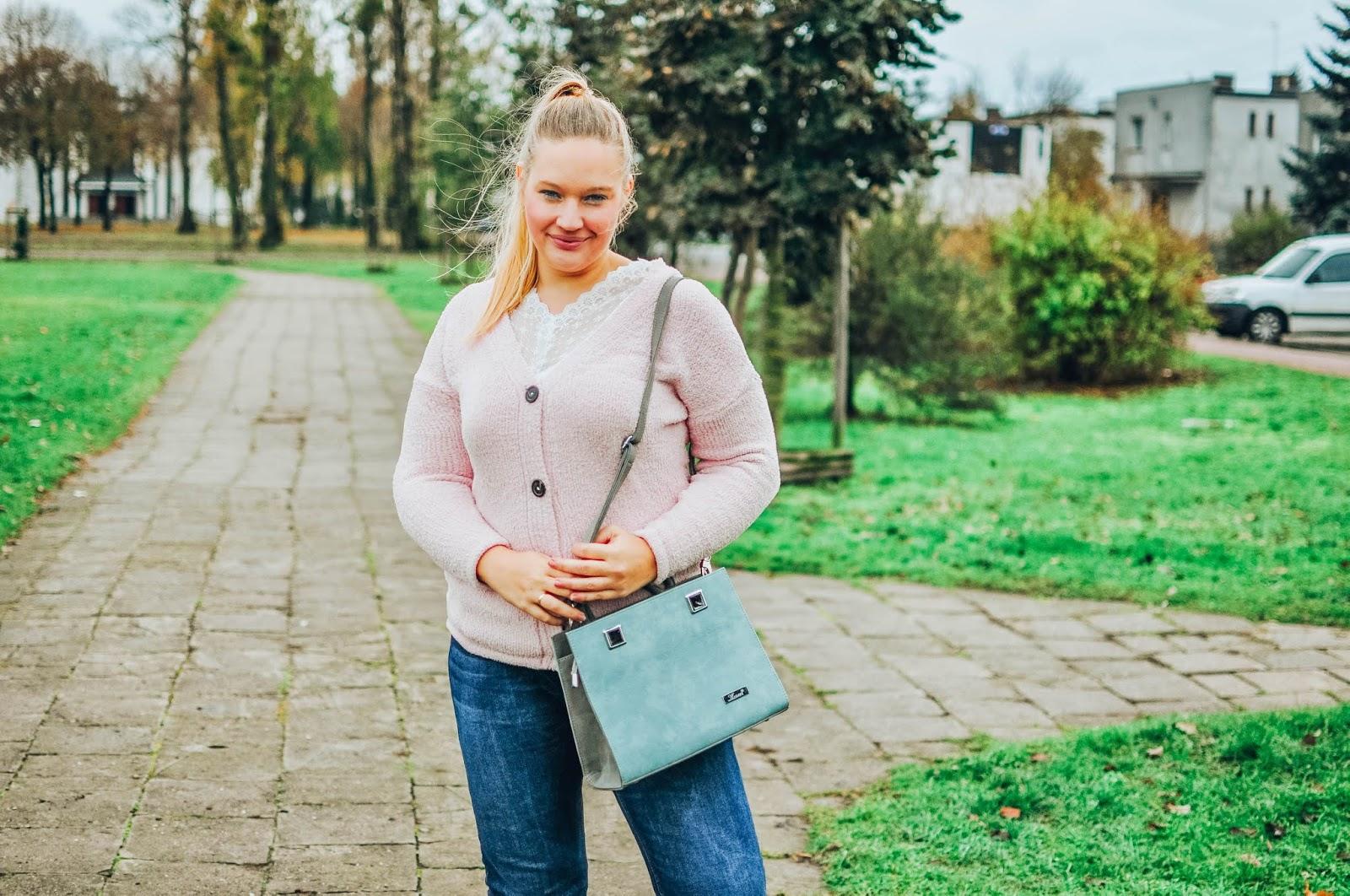 sweter_pudrowy-roz_bonprix