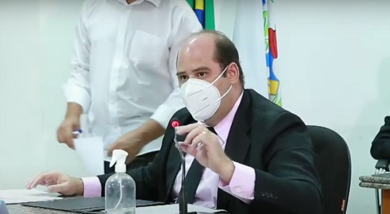 """Em Juazeiro, vereador brada pelo auxilio emergencial para artistas da região: """"Alguns estão nos sinais pedindo esmola"""""""