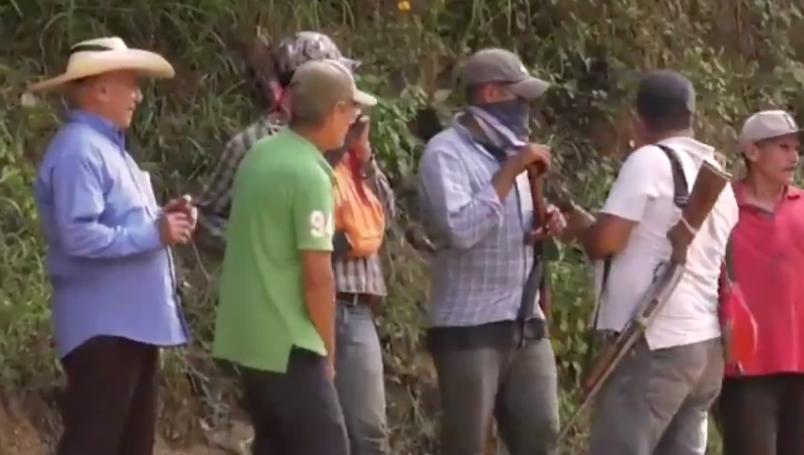 Habitantes de Zirándaro, Guerrero se arman ante ataques, despojos y extorsiones del La Familia Michoacana y el CJNG