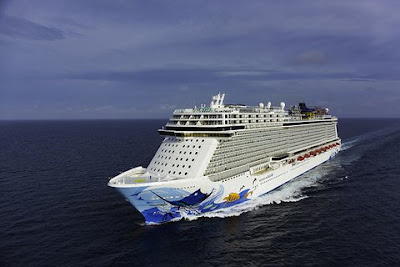 Sailing from Miami the Norwegian Cruise Line's Norwegian Escape to Spend the winter tin the Western Caribbean