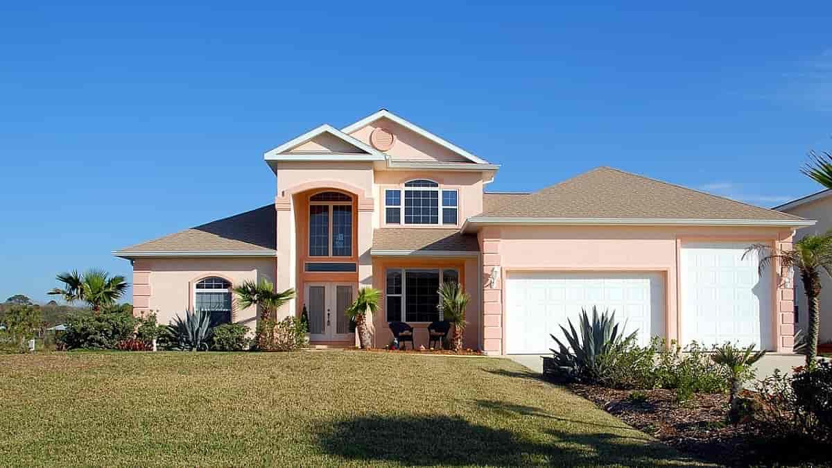 Existem benefícios em investir em casas para vender