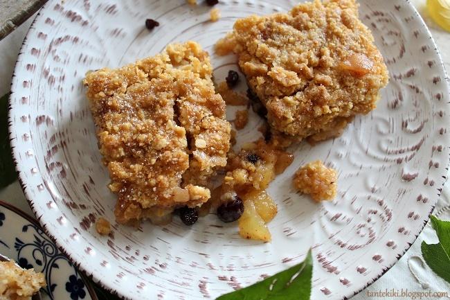 Φθινοπωρινό crumble με αχλάδια, μήλα και μούσλι
