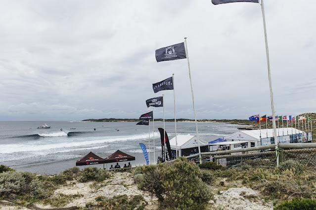 A ilha de Rottnest está recebendo a quinta etapa do Circuito Mundial de Surfe (WSL) da temporada