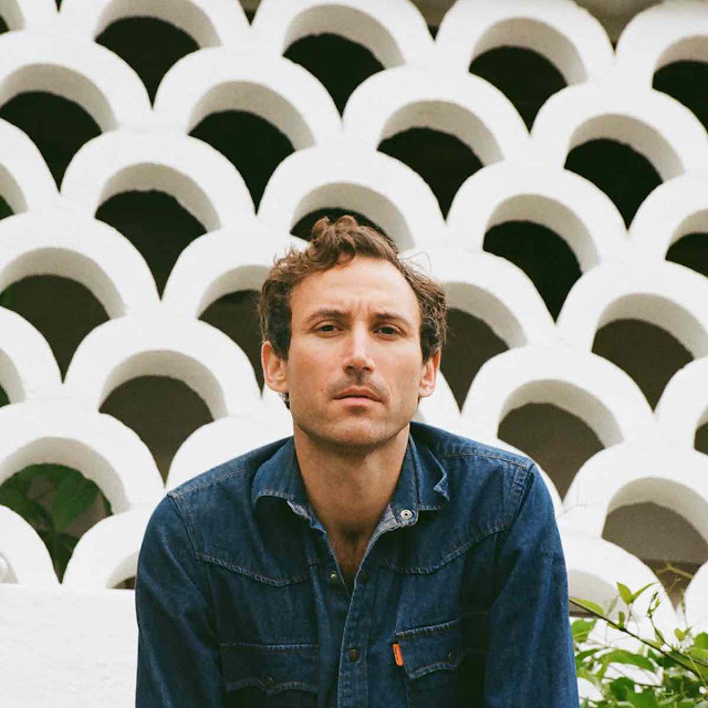 Matt Costa sort son sixième album intitulé Yellow Coat.