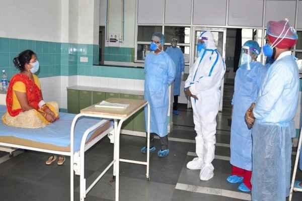 cm-manohar-lal-covid-hospital-sonipat-meet-corona-patient-news