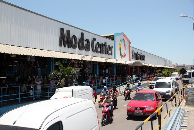 MOVIMENTAÇÃO NO DIA DO COMERCIÁRIO AUMENTA EXPECTATIVA PARA A ALTA TEMPORADA NO MODA CENTER