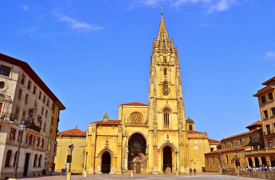La Catedral de Oviedo, turismo y viajes