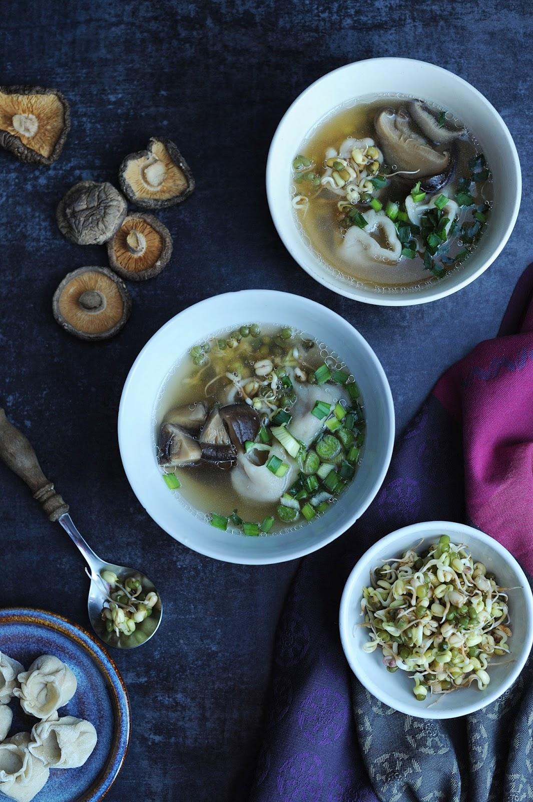 Apetyczna Babeczka Anielska Kuchnia Orientalna Zupa Won Ton