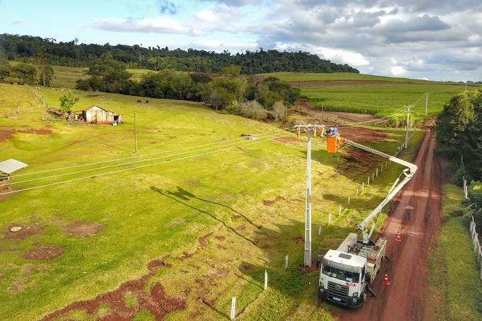 Copel instala 2,8 mil quilômetros de rede trifásica no campo