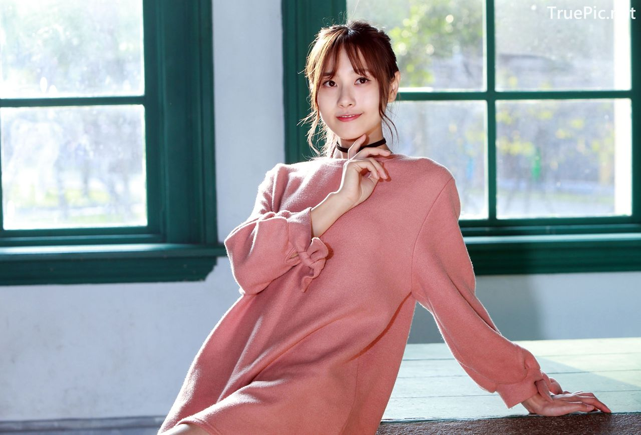 Image-Taiwanese-Model-郭思敏-Pure-And-Gorgeous-Girl-In-Pink-Sweater-Dress-TruePic.net- Picture-9