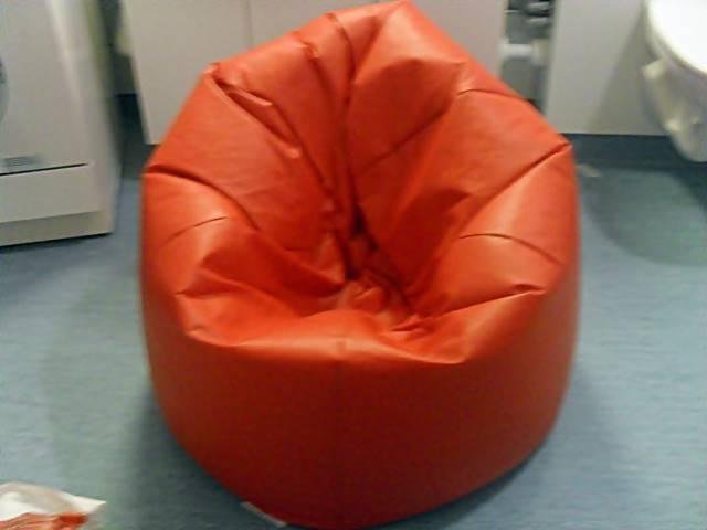 เก้าอี้ Bean Bag นั่งสบายแต่ลุกยาก ข้อดี ข้อเสียที่ควรรู้