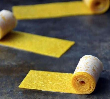 Healthy Homemade Mango Fruit Roll-Ups #desserts #sweets