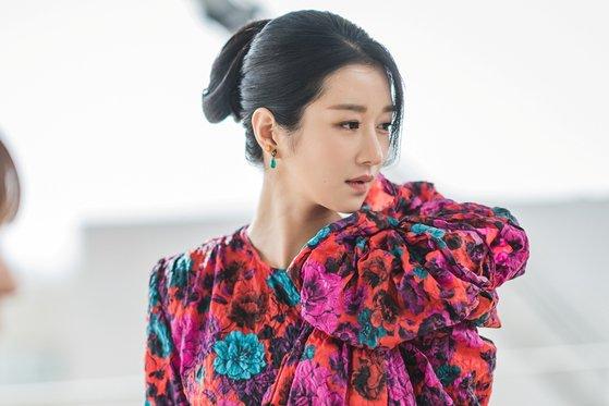 "Photo of [الآراء] الممثلة سيو ييجي تجذب الاهتمام بإطلالاتها الفريدة من نوعها في مسلسل ""لا بأس إن لم تكوني بخير"""
