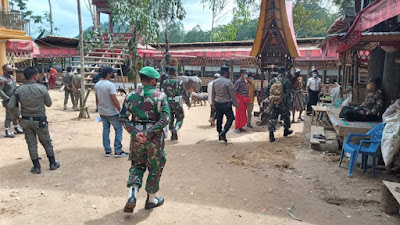 Kapolsek Bersama Satgas C-19 Torut Hentikan Pesta Adat Di Sanggalangi