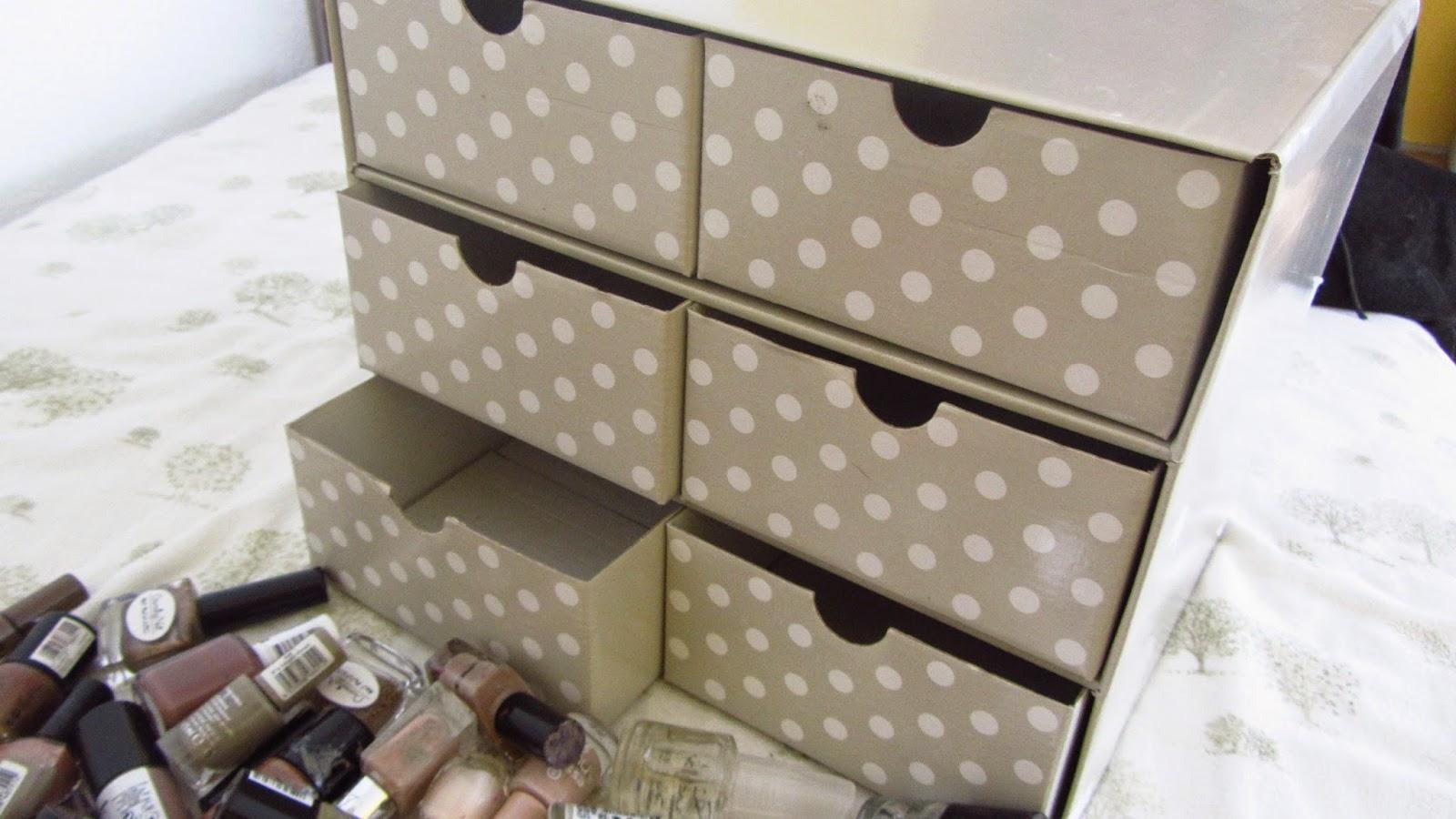 misszickzack meine nagellack aufbewahrung minikommode. Black Bedroom Furniture Sets. Home Design Ideas