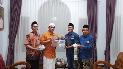 Gus Reza, Singa Podium dari Ponpes Mahrusiyah Lirboyo