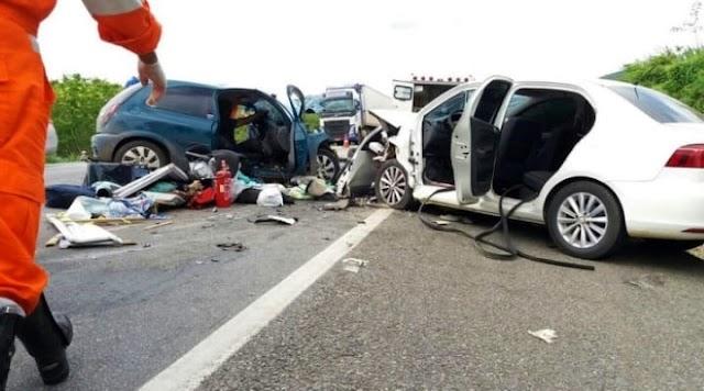 Acidente entre carreta e dois veículos deixa dois feridos na BR-116
