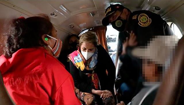 Ministra Rosario Sasieta recibe a hermanitos rescatados en Bolivia
