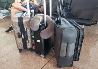 Cuatro personas, un mes y sólo este equipaje.