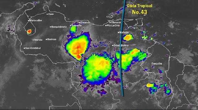 INAMEH: ONDA TROPICAL 43 LLEGARÁ A VENEZUELA EN LAS PRÓXIMAS HORAS [+VIDEO]INAMEH: ONDA TROPICAL 43 LLEGARÁ A VENEZUELA EN LAS PRÓXIMAS HORAS [+VIDEO]