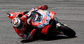 Race MotoGP Catalunya: Lorenzo Pole Position