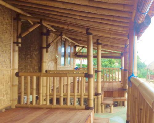 Tinuku.com Bamboo Lengkung Sadranan Bungalow implements truthfully tropical coastal village architecture design