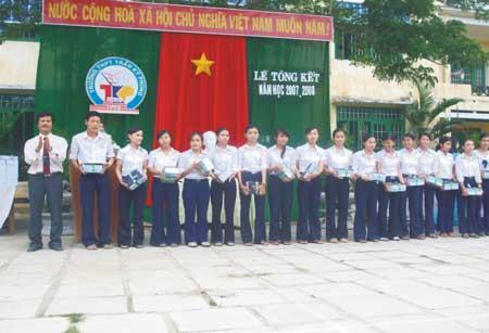 Trường THPT Trần Kỳ Phong