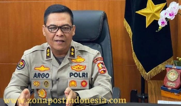 Polri Targetkan Vaksinasi Massal Serentak 1 Juta di Seluruh Indonesia Besok
