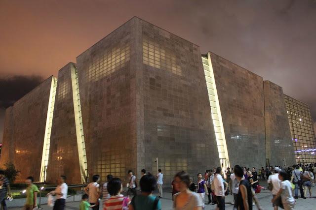 pannelli-trasparenti-cemento-expo-luce