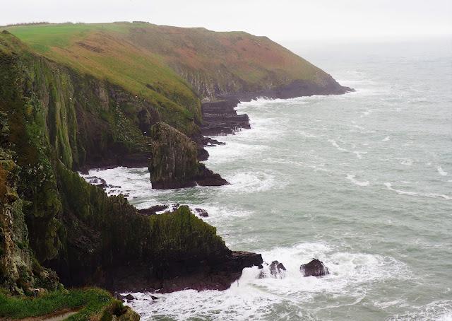 Kinsale, irlanti, etelä irlanti, cork, varikkaat talot, old head, golfkentta, merimaisema, kalliot, merituuli, soma pikkukaupunki irlannissa,vari-iloittelua