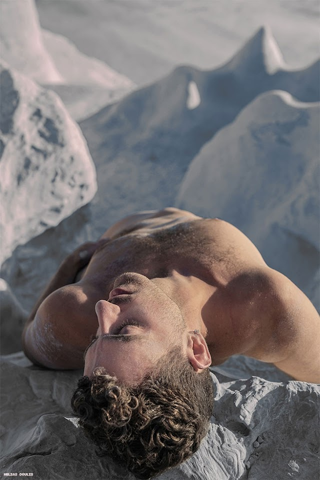 LA GRECIA IN CHIAVE GAY RACCONTATA DAL FOTOGRAFO HELIAS DOULIS
