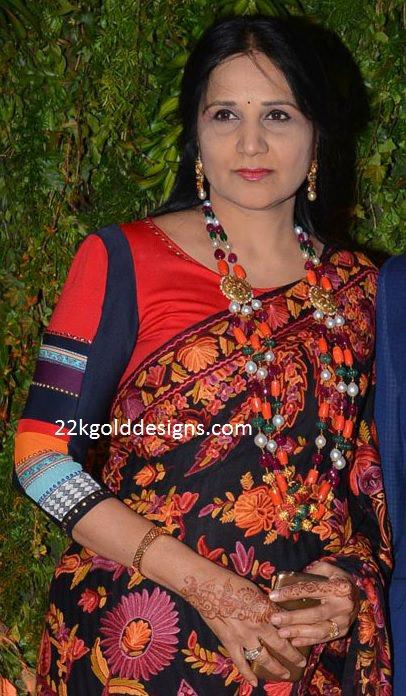 Sreeja Mother in Law Jewellery
