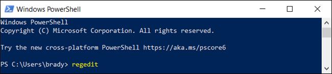 """الأمر """"regedit"""" في نافذة """"Windows PowerShell""""."""
