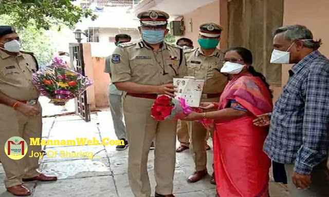 The role of teachers in the society is very important, said CP Anjanikumar of Hyderabad.  CP congratulated Ummaji Padmapriya, a school assistant at Nehru Memorial Government School in Malakpet, Hyderabad, on her nomination for the 2020 National Best Teacher Award.